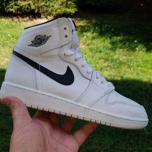 Nike air Jordan 1 size 5.5y / 7 women's